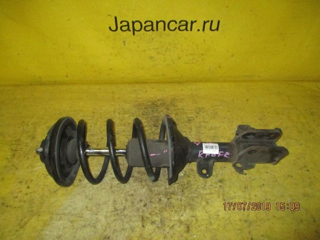 Стойка амортизатора на Honda Stepwgn RF8 K24A