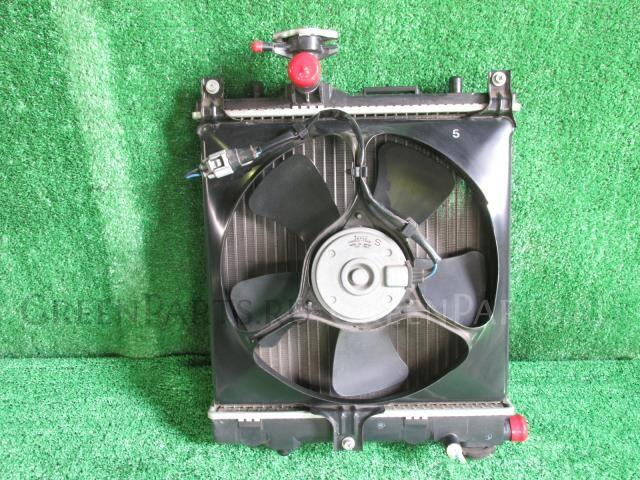 Радиатор двигателя на Suzuki Alto HA25V K6A