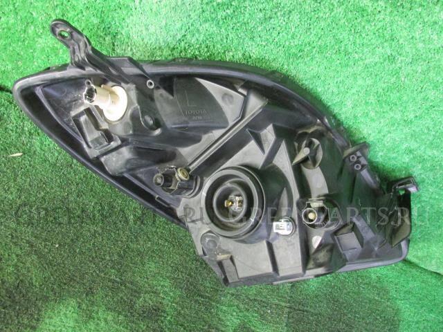 Фара на Toyota Vitz SCP90 2SZ-FE