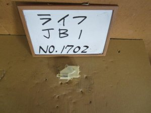 Замок двери на Honda Life JB1