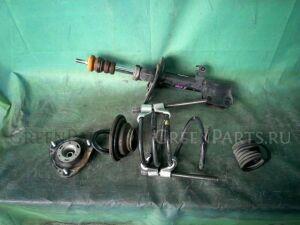 Стойка амортизатора на Toyota Noah ZRR70W 3ZR-FAE