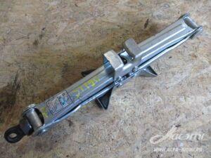 Домкрат на Toyota Altezza SXE10, GXE10 3S-GE, 1G-FE