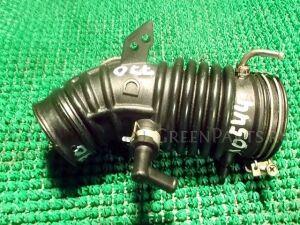 Патрубок воздушн.фильтра на Nissan Sunny FNB15 QG15DE