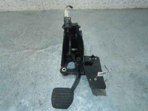 Педаль тормоза на Renault Laguna 2 (2000-2007) номер/маркировка: 8200420699