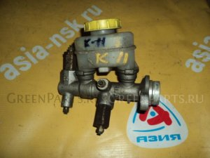 Главный тормозной цилиндр на Nissan March K11