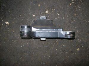 Подушка двигателя на Nissan G11 MR20