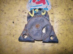 Подушка двигателя на Nissan U30 KA24