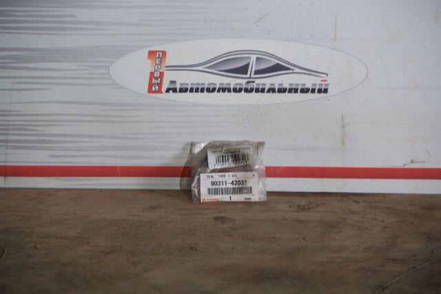 Сальник на Toyota Avensis CT220 2CT,2CTE