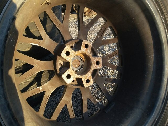 шины 235/40R18 на дисках IWC R18