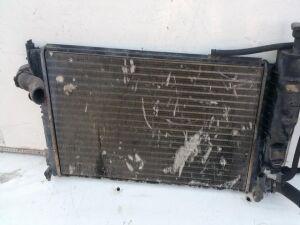 Радиатор на Peugeot 405