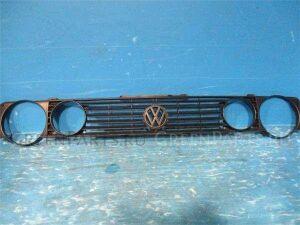 Решетка радиатора на Volkswagen Golf WVWZZZ15ZLK016061 2H
