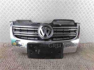 Решетка радиатора на Volkswagen Golf WVWZZZ1KZ8M357793 BLG