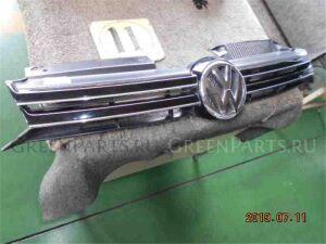 Решетка радиатора на Volkswagen Golf WVWZZZ1KZCW062801 CBZ